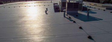 Kvalitně provedená střecha z kotvené PVC folie poctivé mocnosti