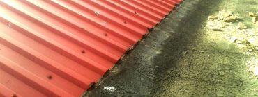 Přímé uložení ocelové krytiny na povlakové hydroizolace je velmi nešťastné řešení